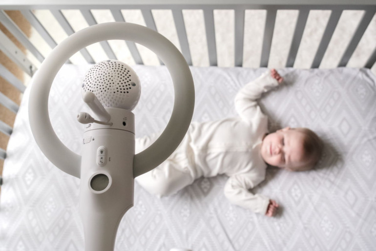 Motorola Halo Baby Monitor Review This Over The Crib Camera Provides A Bird S Eye View Of Your Little One
